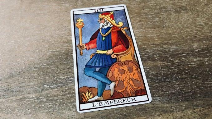 L'arcane de l'Empereur dans le tarot de Marseille