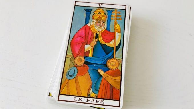 L'arcane du Pape dans le tarot de Marseille