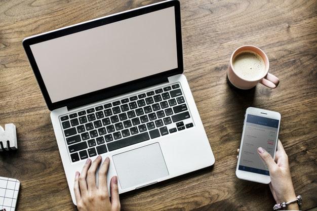 Comment choisir le bon voyant en ligne ?